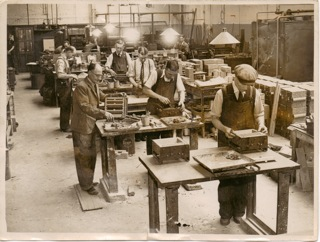 LAN V4337 c1930? North London cabinet-making